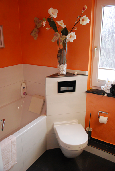 badezimmer mit wanne dirk pfau heizung sanit r. Black Bedroom Furniture Sets. Home Design Ideas